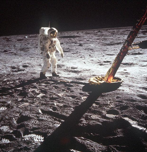 Explorers Club in New York to Host Apollo Astronauts