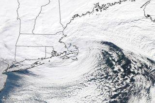 winter-storm-newengland-110112-02