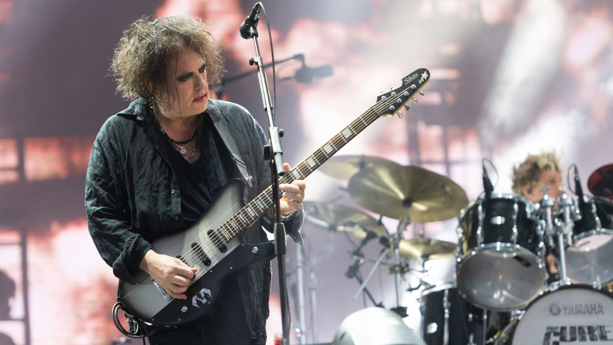 """The Cure's Robert Smith: """"I was listening, thinking this is the best music this band has made and my words are drivel"""""""