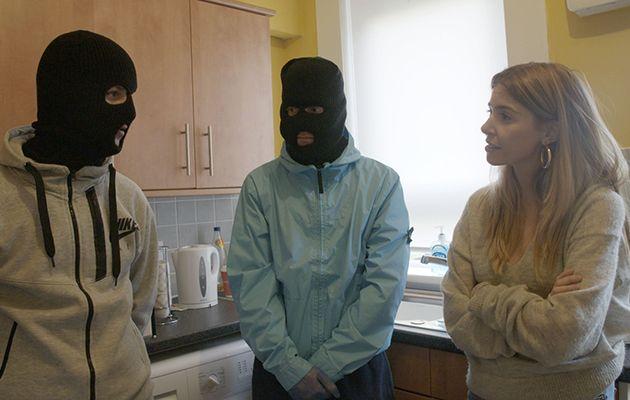 Stacey Dooley Investigates: Kids Selling Drugs Online