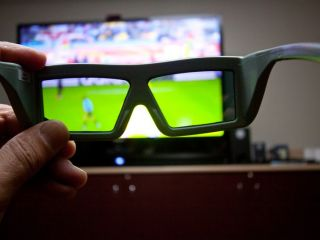 Dixons betting on 3D TV sales to improve the Xmas bottom line this year