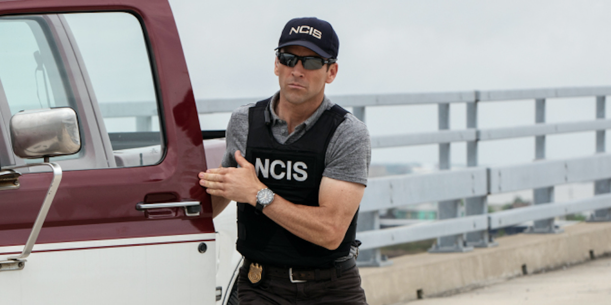 ncis: new orleans lasalle by his truck