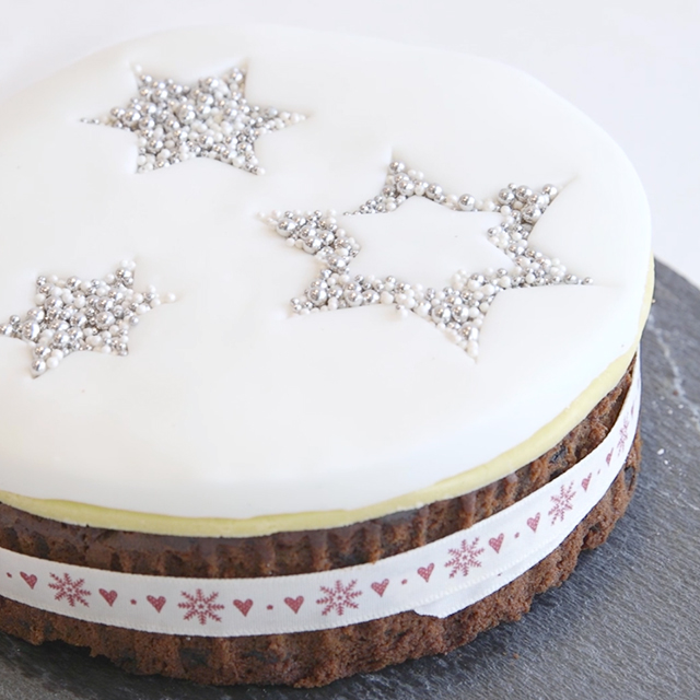 take simple icing to the next level with this easy trick cover just the top of your cake with a layer of marzipan roll the fondant icing and either cut