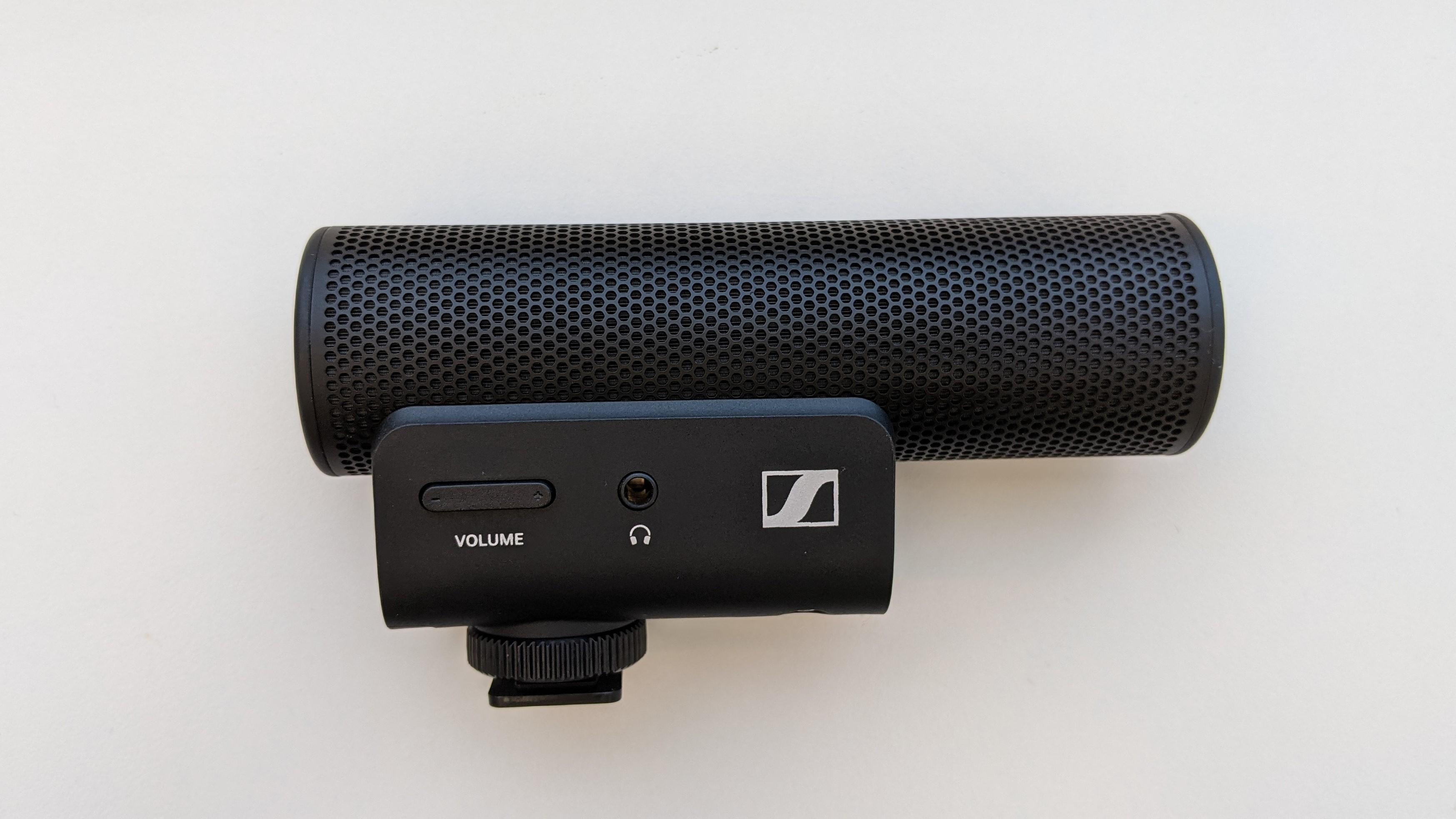 Sennheiser MKE 400 microphone