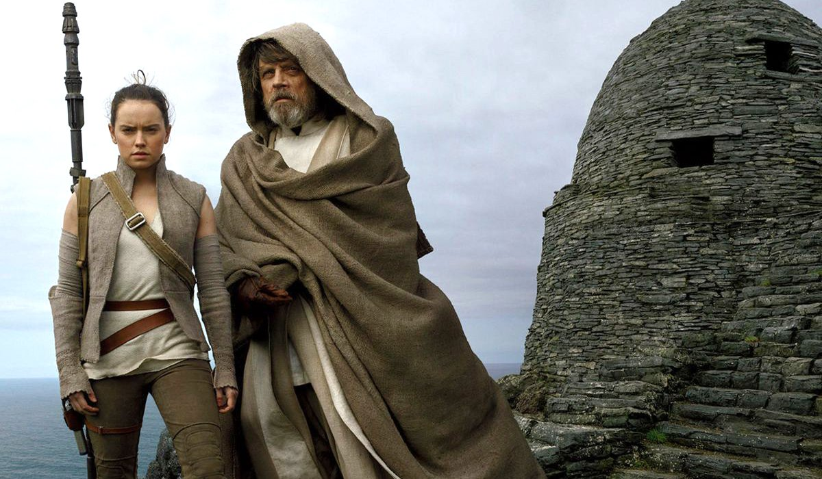 Rey and Luke in Star Wars: The Last Jedi