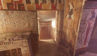 Some of the VR tour of Nefertari's tomb is shown here.