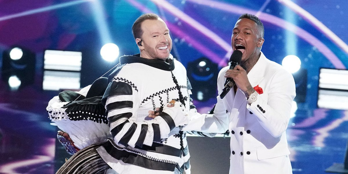 Cluedle-Doo unmasked donnie wahlberg the Masked Singer