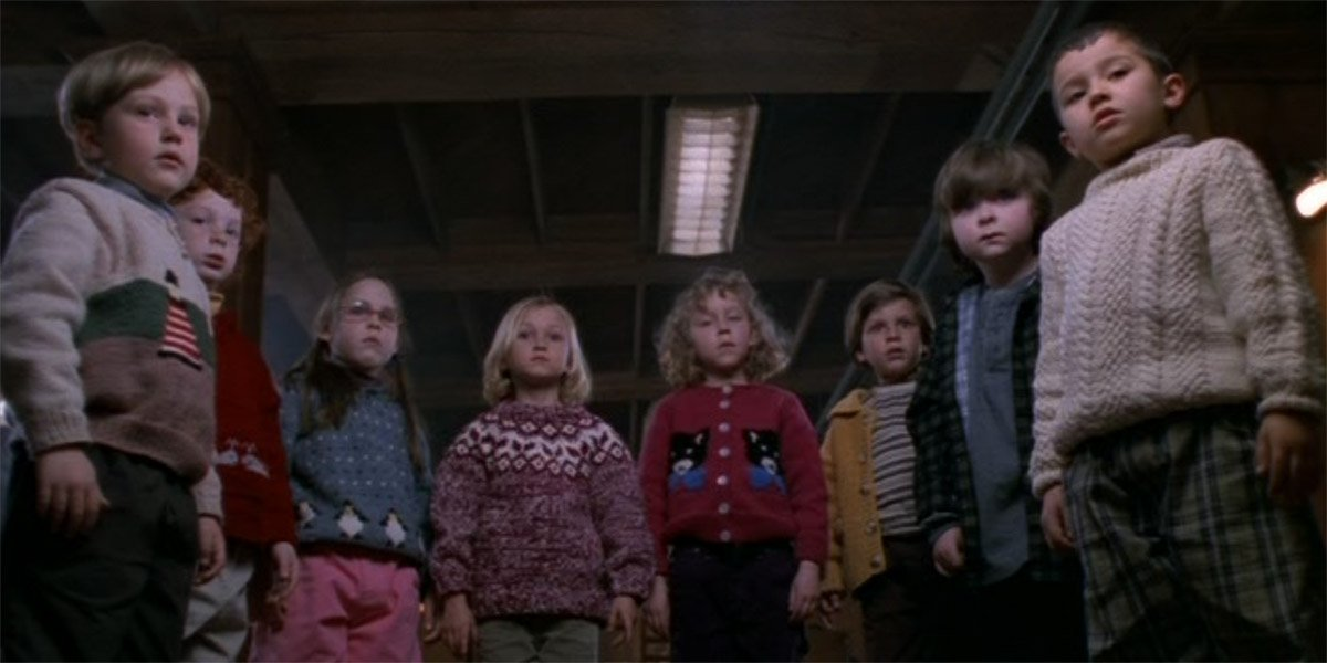 Children stand hypnotized in Stephen King's Storm Of The Century