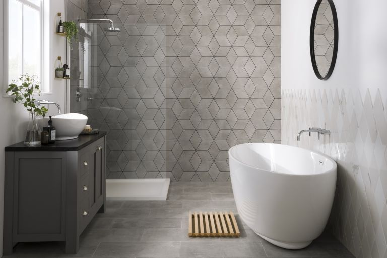 How to tile a wall like a professional