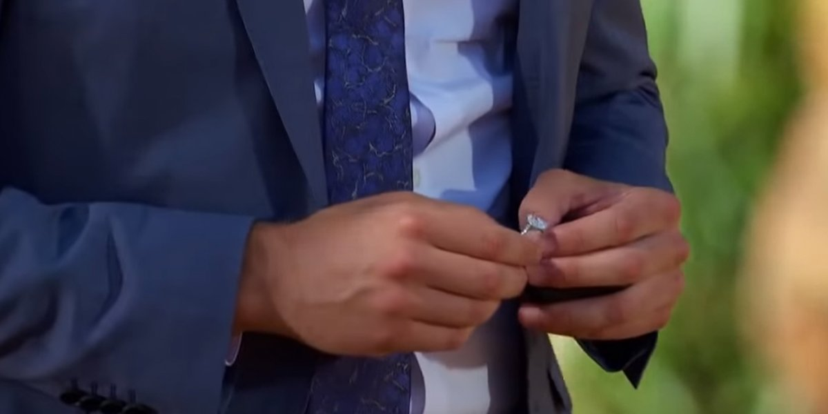 The Bachelor 2020 Peter Weber holds engagement ring final rose ceremony ABC