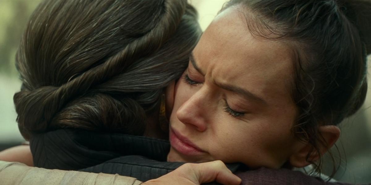 Rey hugging Leia in The Rise of Skywalker