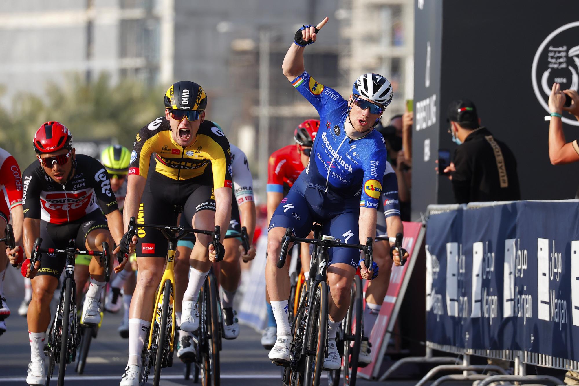 Sam Bennett (Deceuninck-QuickStep) managed to hold off an impressive David Dekker (Jumbo-Visma) in the sprint