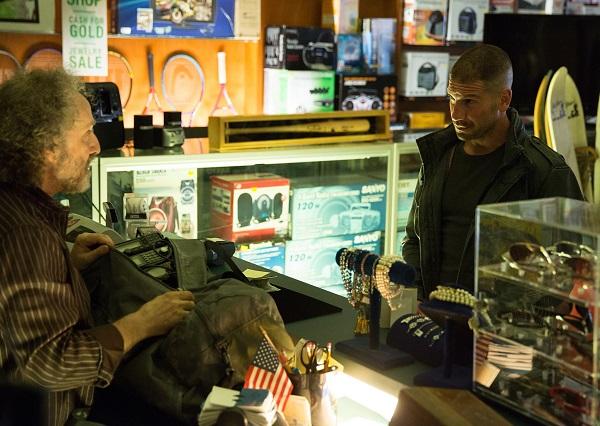 Daredevil Season 2 First Look: Elektra Looks Classy For Netflix's Storyline #35387