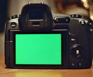 Canon EOS R hacked: Magic Lantern successfully loaded (image: www.eoshd.com)