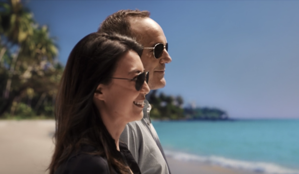 may coulson on the beach agents of shield season 5 abc
