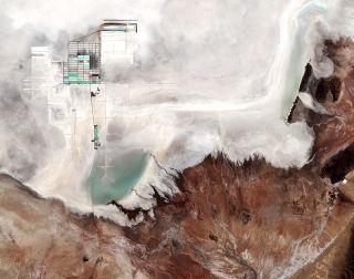 Vast Salar de Uyuni