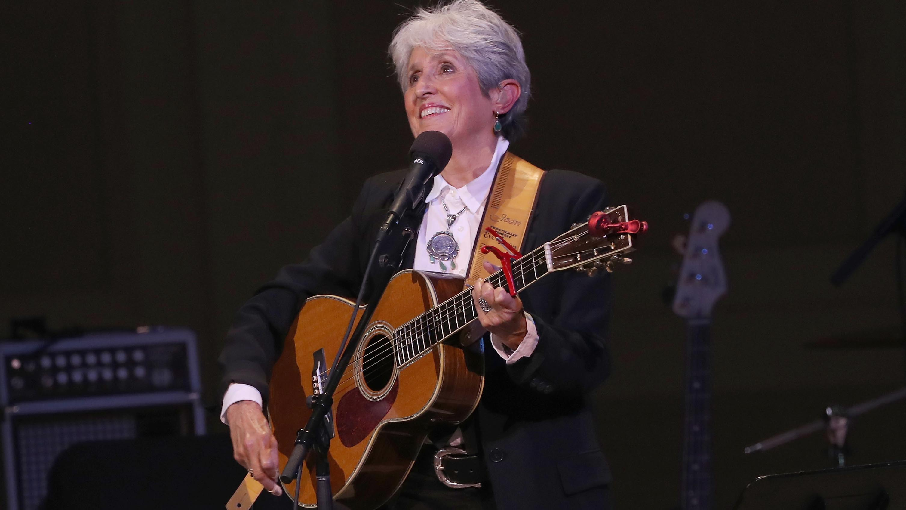 Joan Baez We Found A Scroll Inside My Guitar Which Said Too Bad