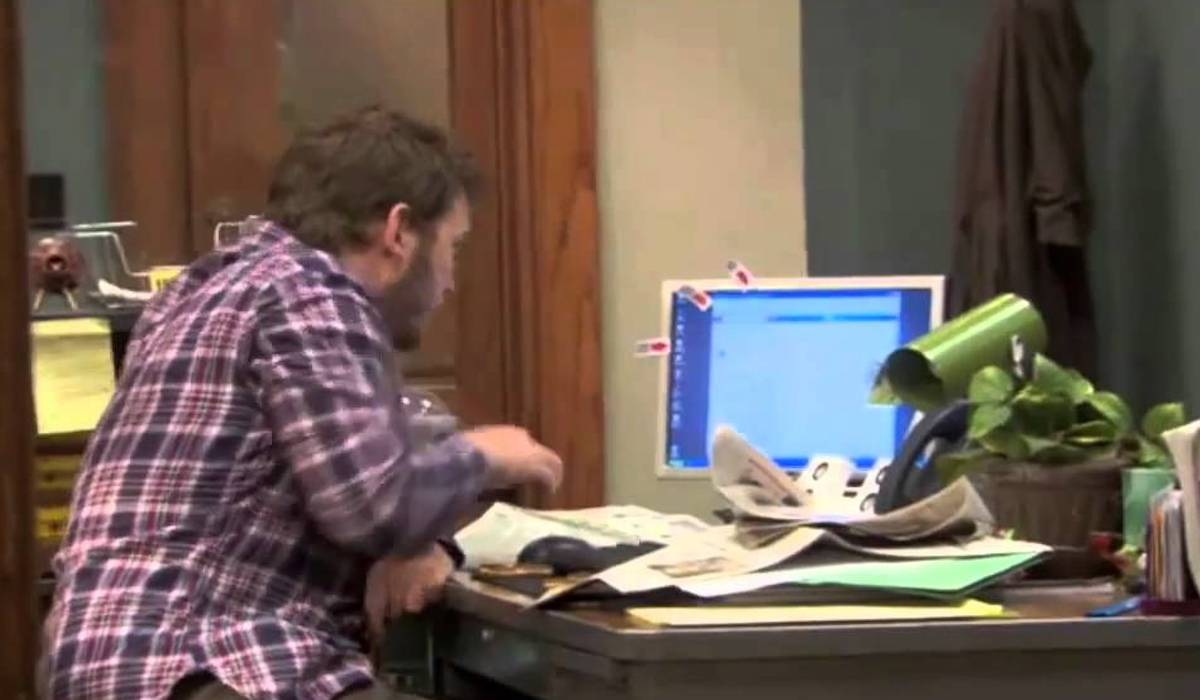 Chris Pratt as Andy Dwyer in Parks and Recreation Season 2
