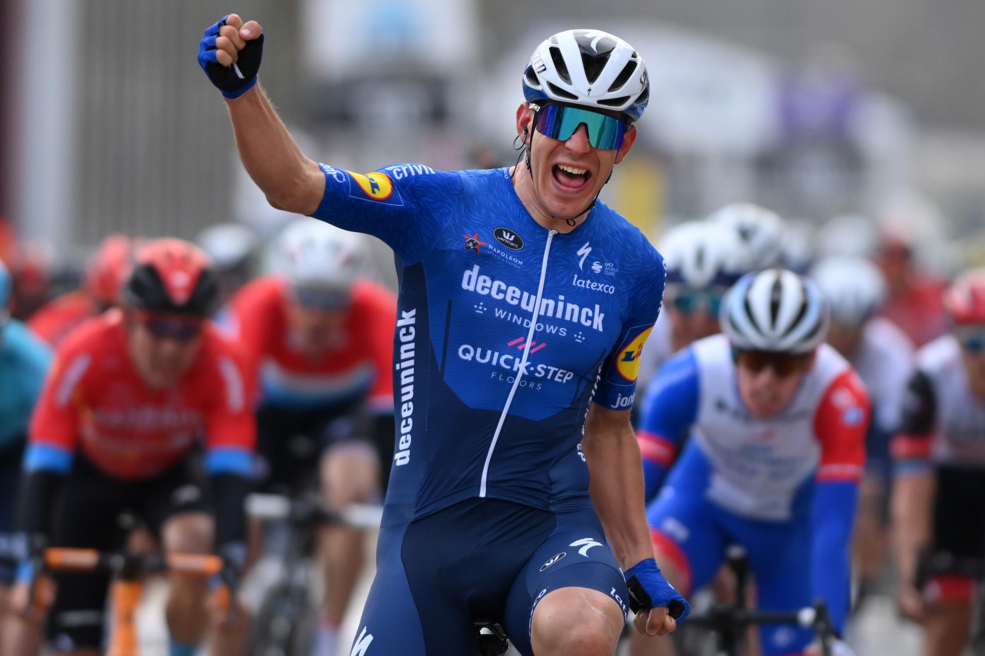 davide ballerini eases to omloop het nieuwsblad sprint victory cycling weekly