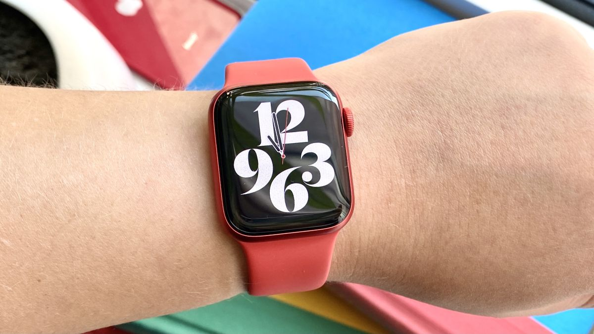 Apple Watch Series 6 one month later: Here's how it holds up