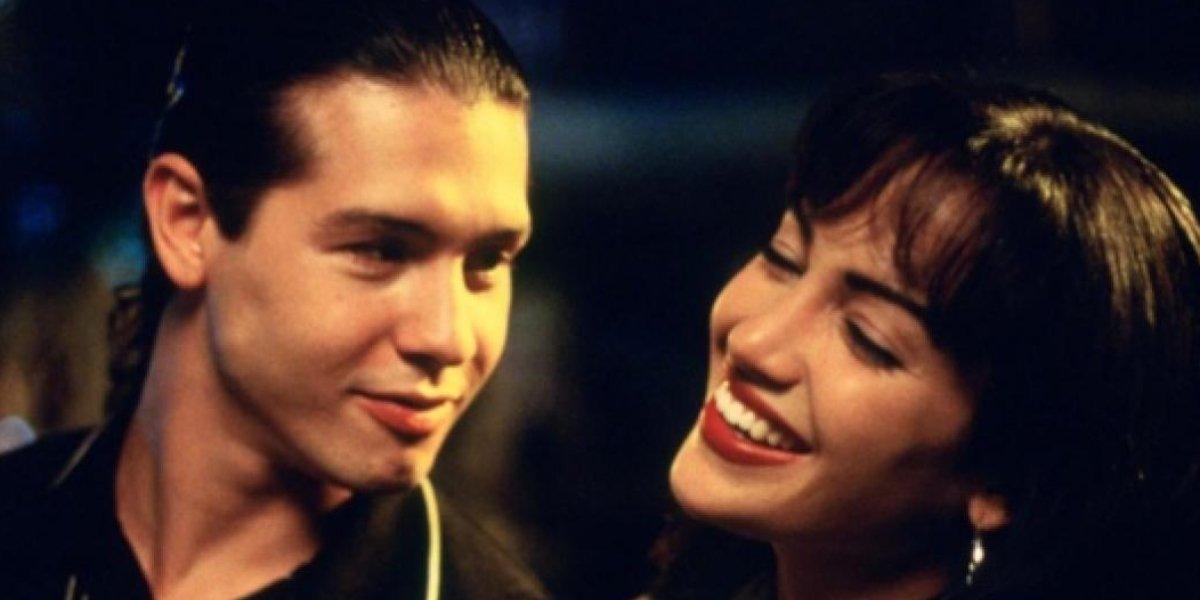 Jon Seda and Jennifer Lopez in Selena