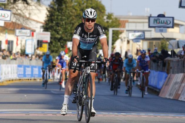 Photo: Mark Cavendish finishes Stage 2 of the 2015 Tirreno-Adriatico after being held up by a crash .