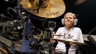 Rick Allen on this Def Lep smash