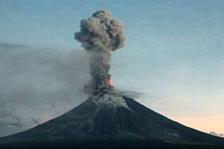 Mayon volcano experienced a second explosion on the morning of Jan. 24, 2018, sending out volcanic ash plumes and lava fountains.
