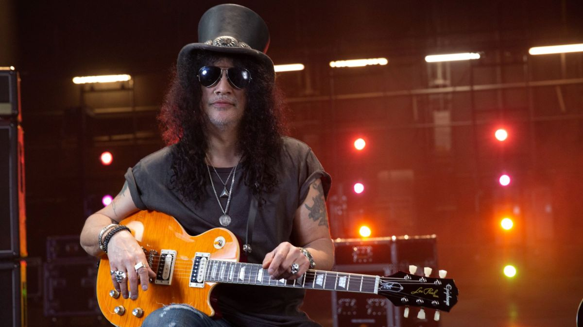 """Gibson Reveals the Inside Story of Epiphone Slash Collection """"Clones"""""""