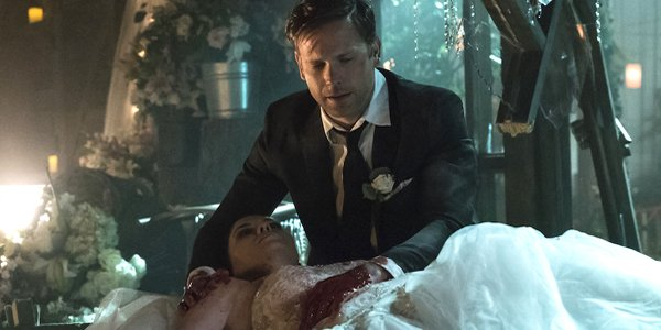 The Vampire Diaries Jo dies in Alaric's arms on their wedding day