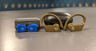 Beats Powerbeats Pro vs. Master & Dynamic MW07 Go