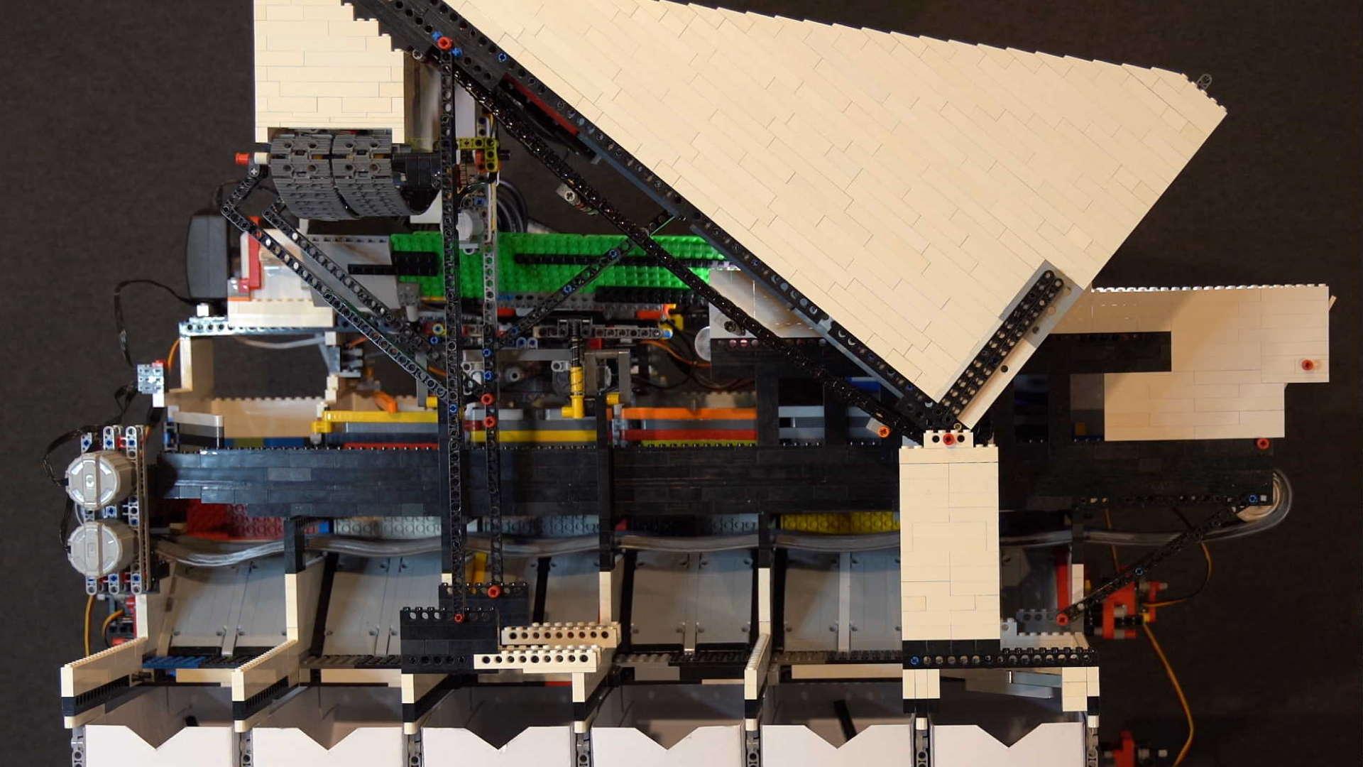Daniel Wests Raspberry Pi powered AI Lego sorting machine