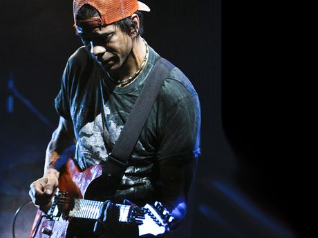 what strings do you use greg howe musicradar. Black Bedroom Furniture Sets. Home Design Ideas