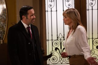 Kim asks Graham for another chance in Emmerdale