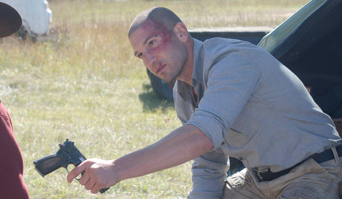 shane giving carl a gun on the walking dead tv show