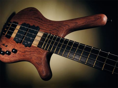 Our test model has bubinga wings although a swamp ash model is available