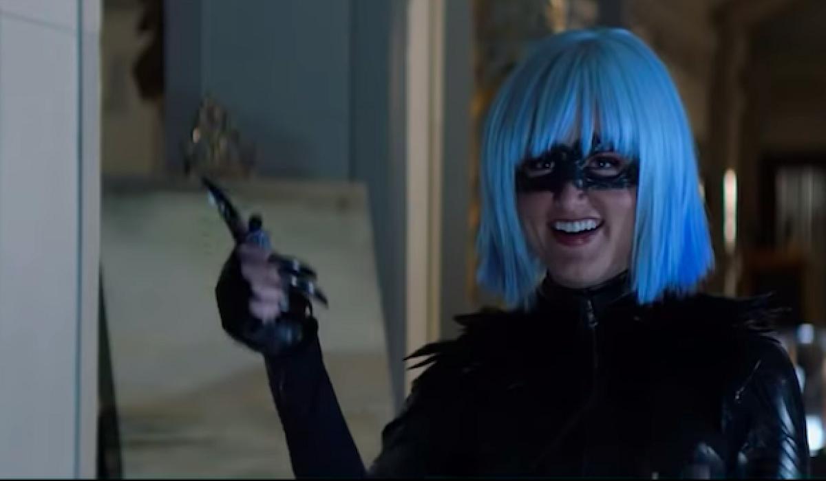 magpie batwoman wig
