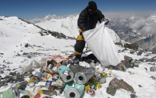 Sherpa cleans up Everest.