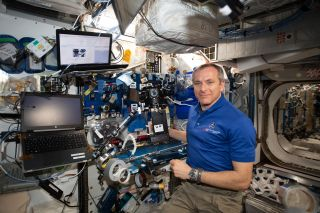 A view of Canadian Space Agency (CSA) astronaut David Saint-Jacques setting up the Z-CAM V1 Pro Cinematic camera for the ISS Experience payload. The International Space Station Experience (ISS Experience) creates a virtual reality film documenting daily life aboard the space station.