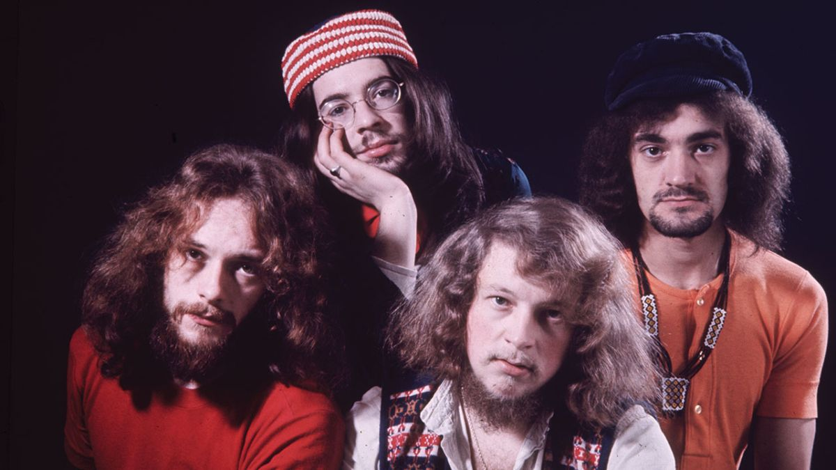 A New Day Yesterday: the story of Jethro Tull's Stand Up