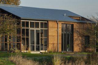 a hemp-based eco house with minimal plastic used