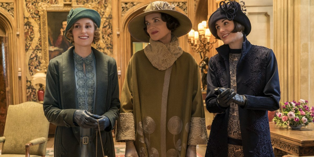 Downton Abbey Edith, Cora, and Mary dressed to go out