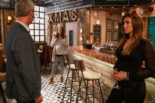 Coronation Street spoilers: Vicky Jefferies crashes Michelle and Robert's party!