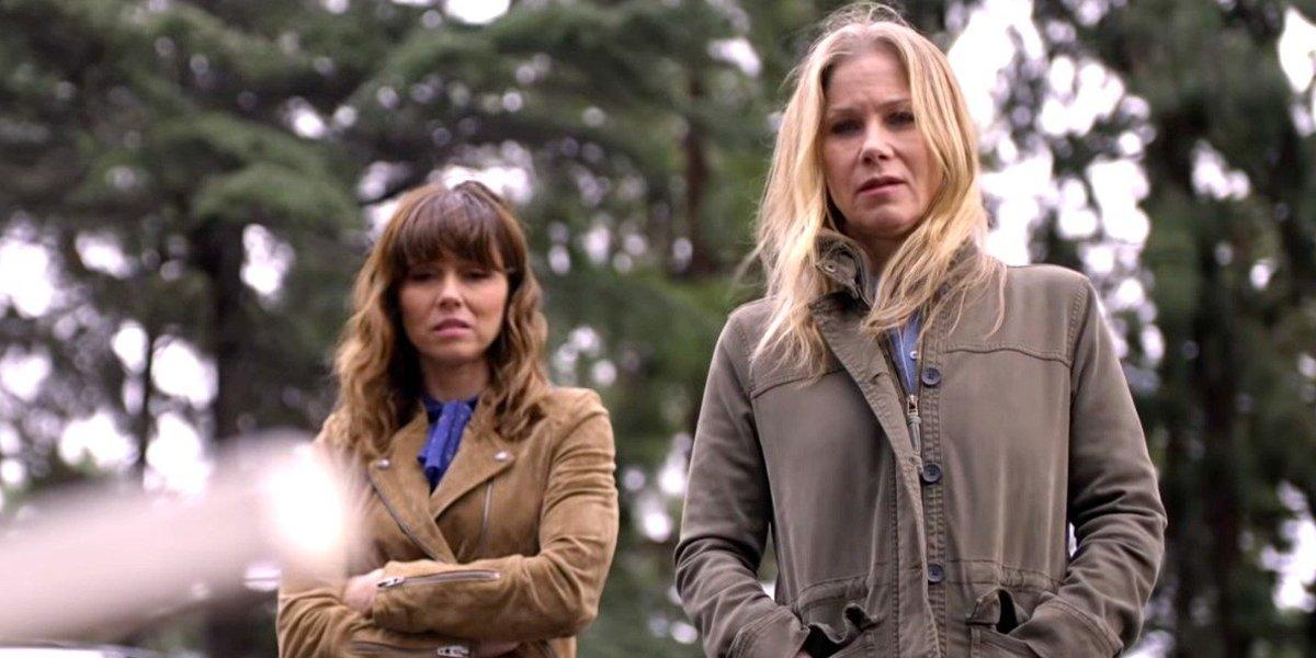 Linda Cardellini and Christina Applegate Dead to Me Netflix