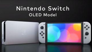 Nintendo Switch OLED sekä konsolin telakka vierekkäin