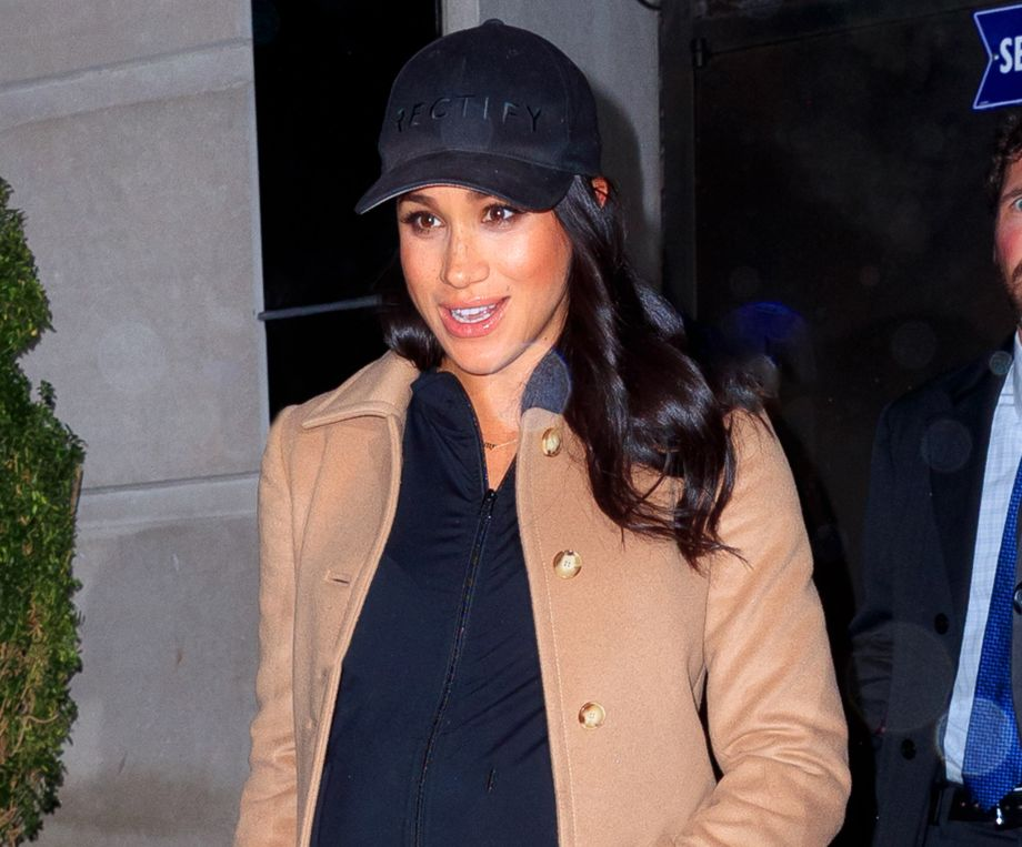 Meghan Markle departs New York for London in affordable casual outfit