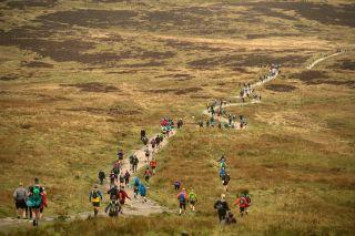 runners in the three peaks race