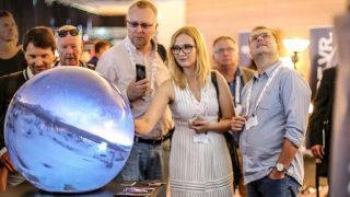 Stewart Filmscreen, Pufferfish to Show Multitouch Spherical Displays at InfoComm