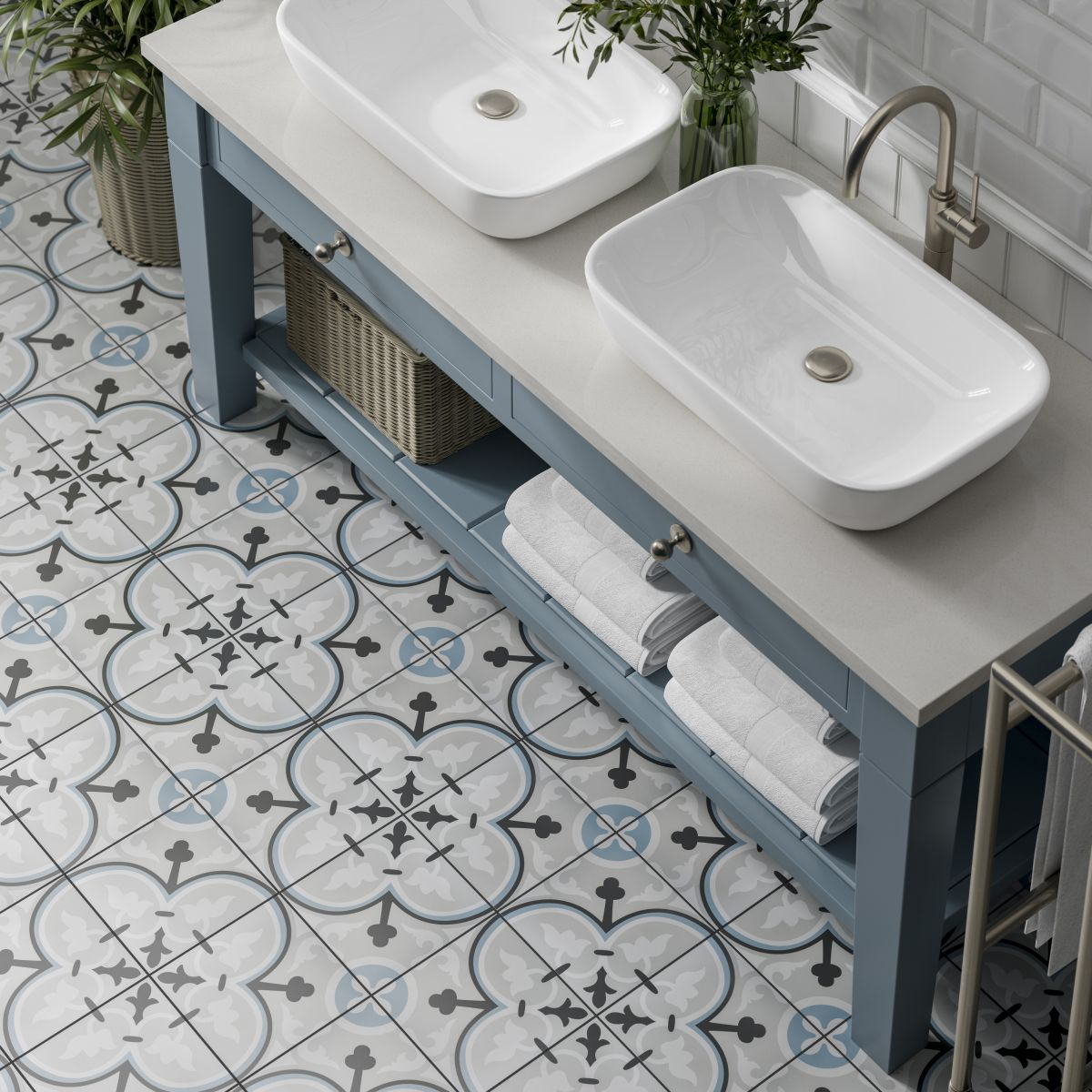 Strange How To Pick The Right Size Tiles For A Small Bathroom Real Home Interior And Landscaping Palasignezvosmurscom