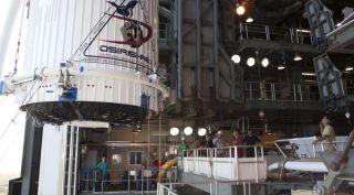Atlas 5 Payload fairing with OSIRIS-REx